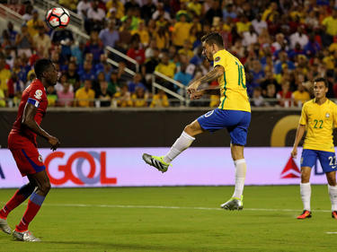 Brasiliens Lucas trifft zum 5:0 gegen Haiti
