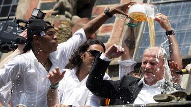 Naldo musste zum Bundesliga-Einstand viel Schnaps trinken