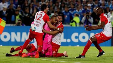 El portero Robinson Zapata paró el penalti decisivo. (Foto: Getty)