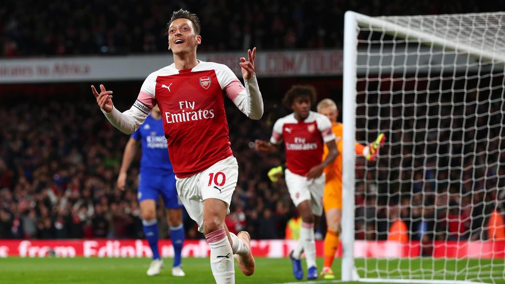 Mesut Özil verzaubert den FC Arsenal