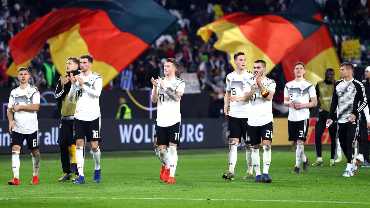 Deutschland spielte gegen Serbien unentschieden