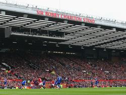"""Der """"Sir Bobby Charlton Stand"""" hat am Montagfrüh gebrannt"""