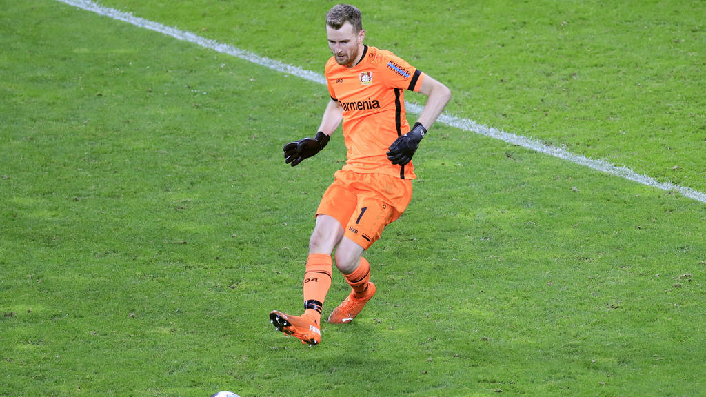 Lukas Hrádecký unterlief gegen Arminia Bielefeld ein kurioses Eigentor