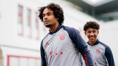 Verlässt Joshua Zirkzee (l.) den FC Bayern?