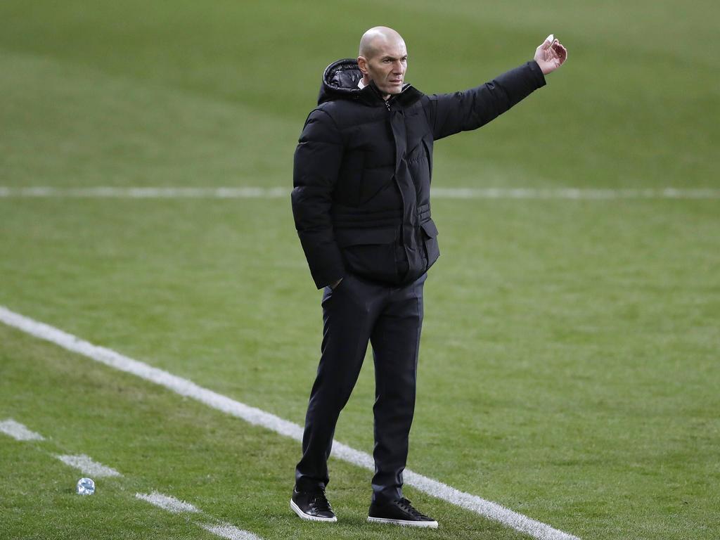 Zidane en la semifinal de la Supercopa.