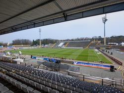 Die Gegengerade im Stadion am Böllenfalltor muss bis 2018 überdacht sein