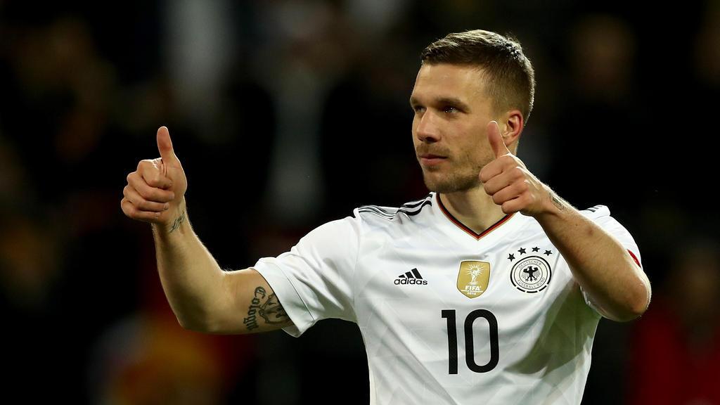 Streift Lukas Podolski noch einmal das Trikot mit dem Adler auf der Brust über?