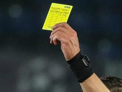 Der Spieler soll absichtlich eine gelbe Karte provoziert haben