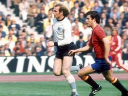 Quini contra Alemania en el Mundial de 1976. (Foto: Imago)