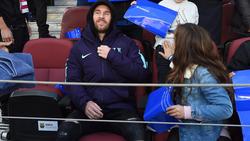 Messi deja la grada para volver a enfundarse las botas. (Foto: Getty)