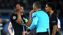 PSG-Kapitän Thiago Silva diskutierte mit dem Schiedsrichter