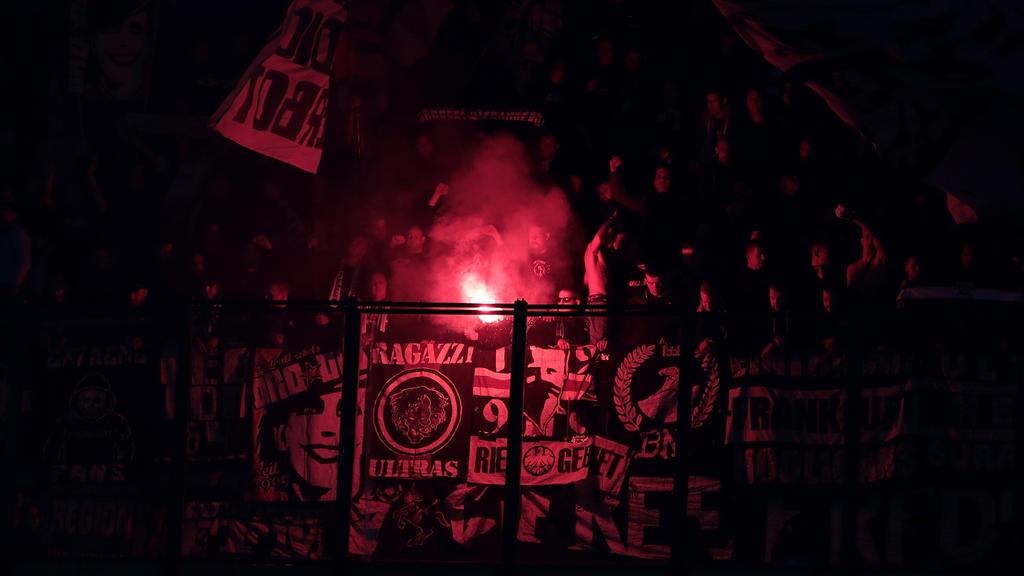 Die Frankfurter Fans zündelten beim Gastspiel in Mailand