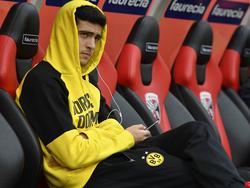 Merino pasa la mayoría de su tiempo en Dortmund en el banquillo. (Foto: Getty)