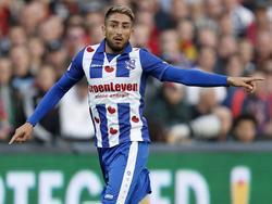 Caner Çavlan geeft aanwijzingen tijdens het competitieduel Feyenoord - sc Heerenveen (30-10-2016).