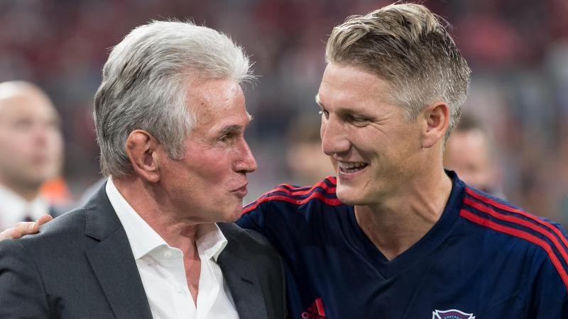 Holten mit dem FC Bayern das Triple: Jupp Heynckes (l.) und Bastian Schweinsteiger