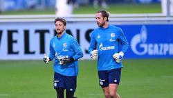 Rönnow (l.) gilt als Favorit auf den Stammplatz beim FC Schalke 04