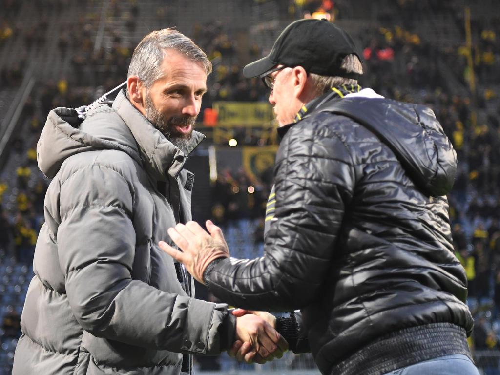 Marco Rose (l.) Im Gespräch mit BVB-Coach Peter Stöger