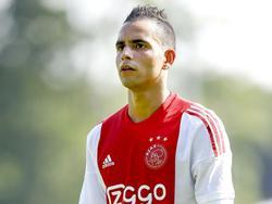 Zakaria el Azzouzi krijgt tijdens de voorbereiding op het nieuwe seizoen een kans om zich te bewijzen bij het eerste elftal. De spits speelt mee in de oefenwedstrijd tegen FC Nordsjælland. (10-07-2015)