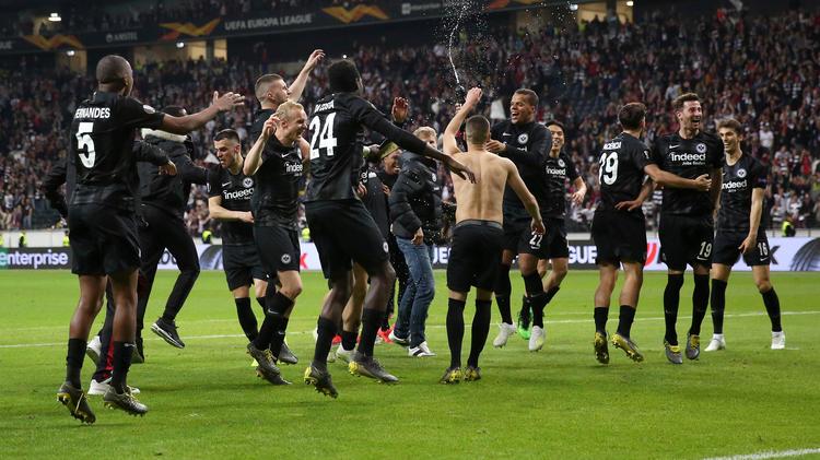 Frankfurt feiert sich ins Halbfinale