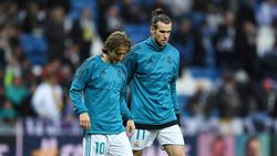 Modric calienta junto a Bale en una imagen de archivo.