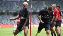Neymar (l.) will zurück aufs Spielfeld