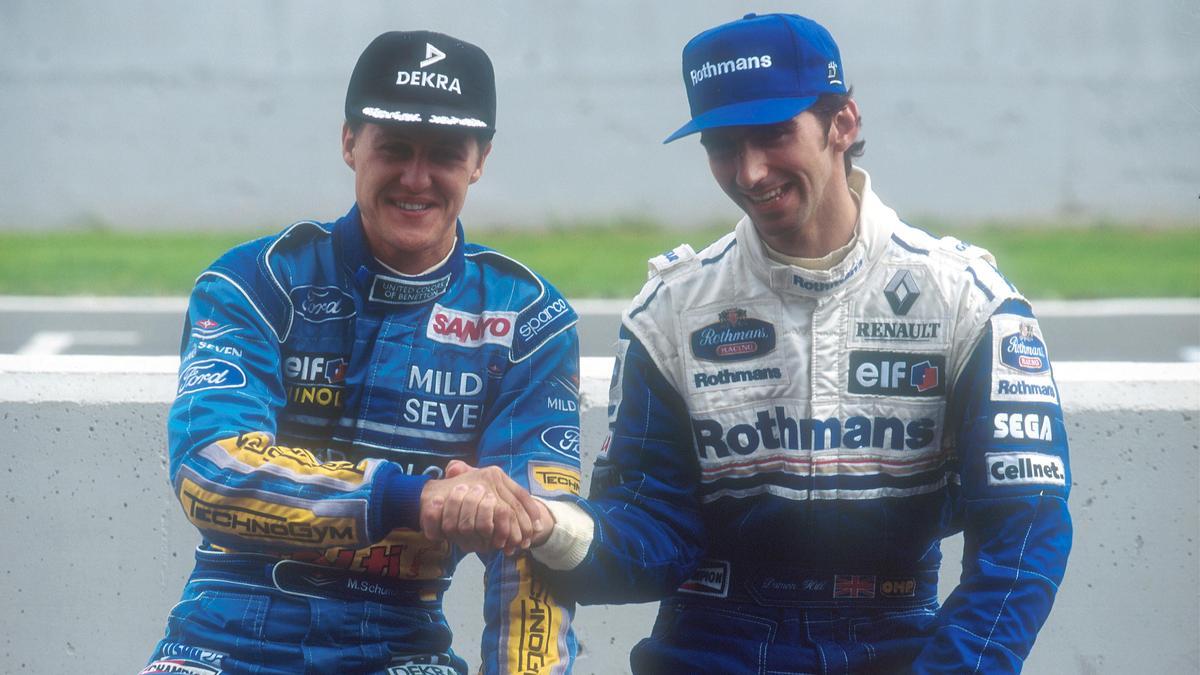 Michael Schumacher landete meist vor Damon Hill (re.)
