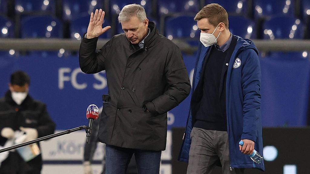 Buchta (li.) legt sein Amt beim FC Schalke nieder