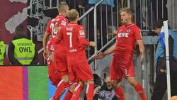 Simon Terodde (re,) erzielte in Bielefeld einen Doppelpack für den 1. FC Köln