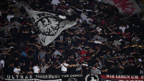 Eintracht Frankfurt von der UEFA hart bestraft