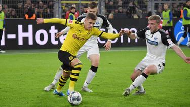 Luca Kilian en un duelo contra el BVB.