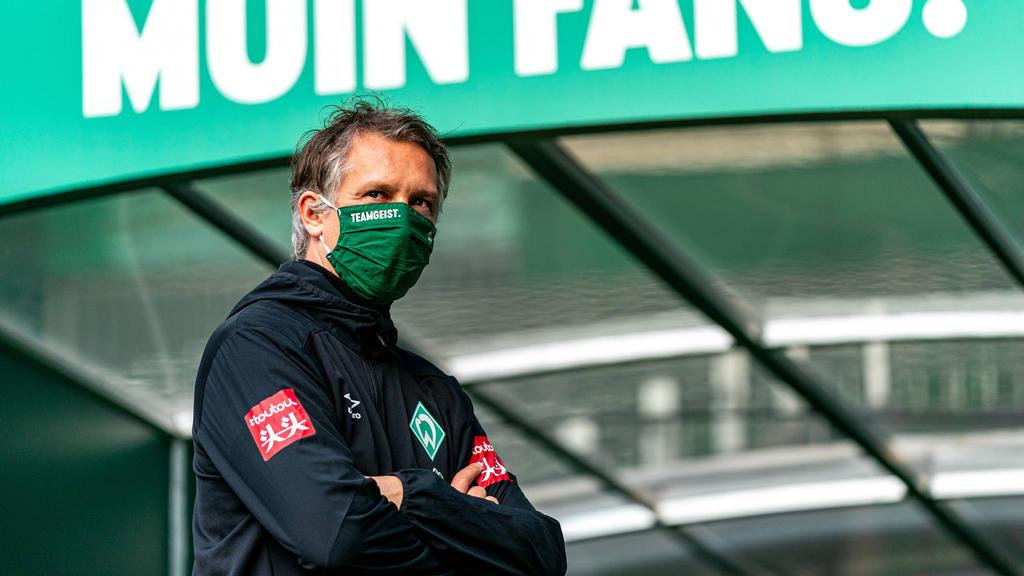 Frank Baumann, Geschäftsführer Sport von Werder Bremen, spricht bei der Mitgliederversammlung des Vereins