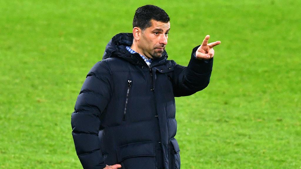 Dimitrios Grammozis überraschte mit seiner Aussage auf der PK des FC Schalke 04
