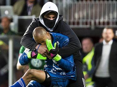 Hinterhältige Attacke auf den Tormann von Östersunds FK