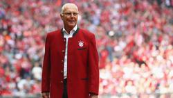 Franz Beckenbauer freut sich für Frankreichs Trainer Didier Deschamps