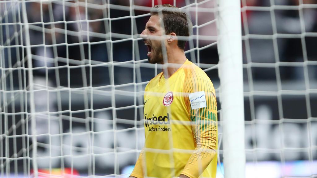 Kevin Trapp steht bei Eintracht Frankfurt zwischen den Pfosten