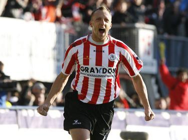 Sjaak Polak kan juichen nadat hij heeft gescoord voor Sparta Rotterdam. (23-05-2013)