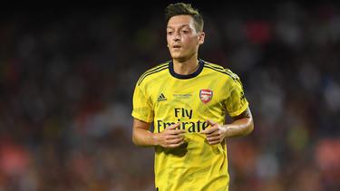 Mesut Özil könnte bald in der Serie A spielen