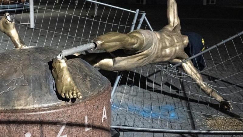 Die Ibrahimovic-Statue soll in Malmö nach mehreren Beschädigungen einen neuen Platz bekommen
