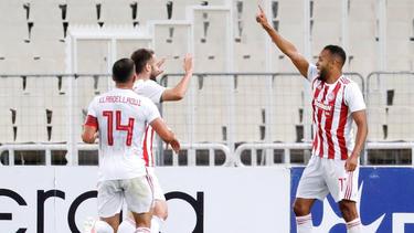 Olympiakos Piräus feiert die 45. Meisterschaft