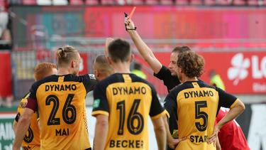 Dynamo Dresden agierte mehr als eine Hälfte in Unterzahl beim 1. FC Kaiserslautern