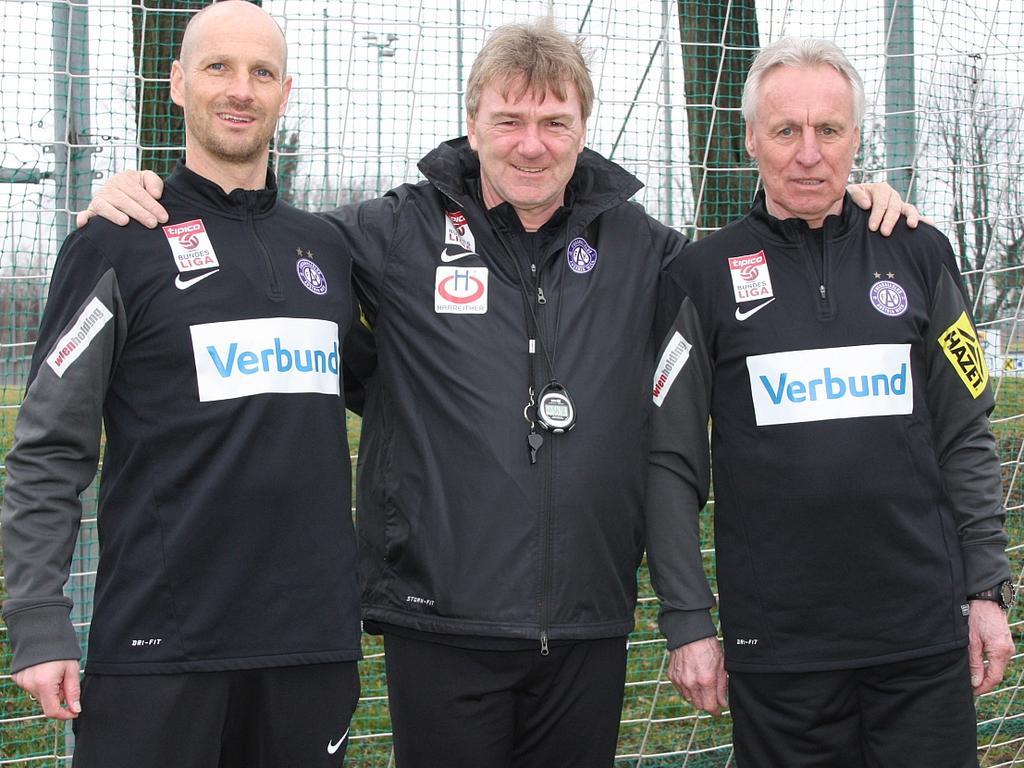 Das interimistische Trainerteam der Austria: Christoph Glatzer, Chefcoach Andreas Ogris und Robert Sara