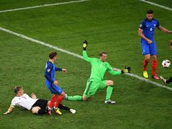 Antoine Griezmann hizo el segundo gol del partido en esta acción en el minuto 72. (Foto: Getty)