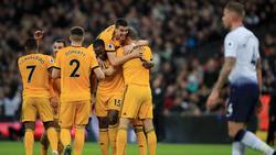 El Wolverhampton celebra su victoria en Wembley. (Foto: Getty)