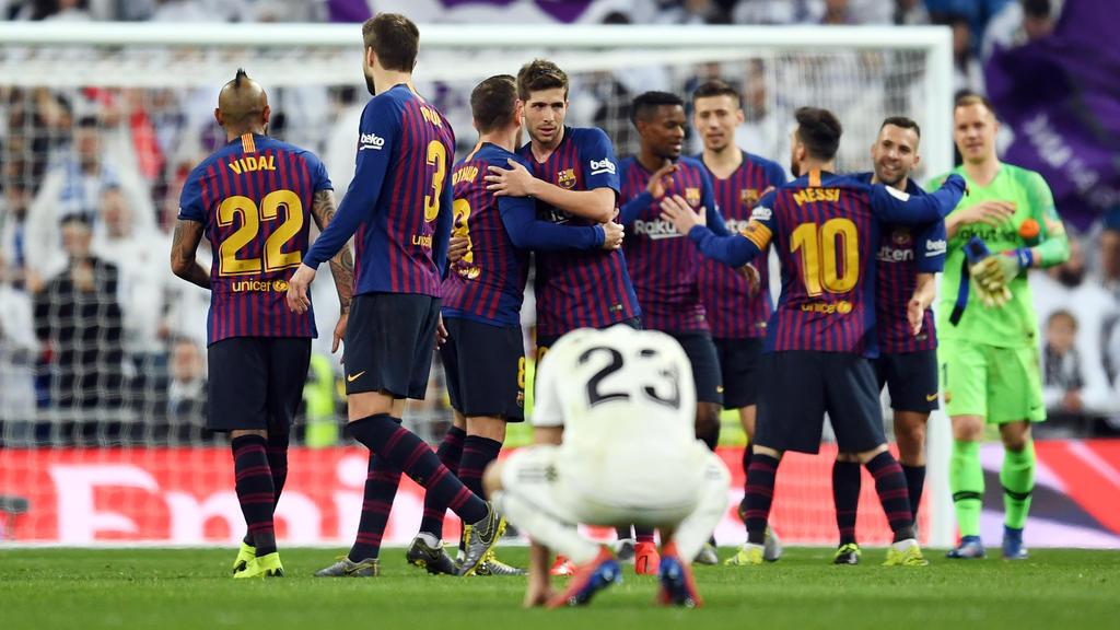 2ec47ac441f Suarez double sends Barcelona past Real Madrid and into Copa del Rey final