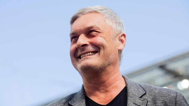 Der neue FC-Präsident Wolf will den Vertrag mit Kölns Sportchef Armin Veh verlängern