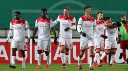 Rouwen Hennings (M.) traf zweimal sehenswert gegen Kaiserslautern
