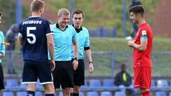 Robert Voloder (r.) unterschreibt langfristig beim 1. FC Köln
