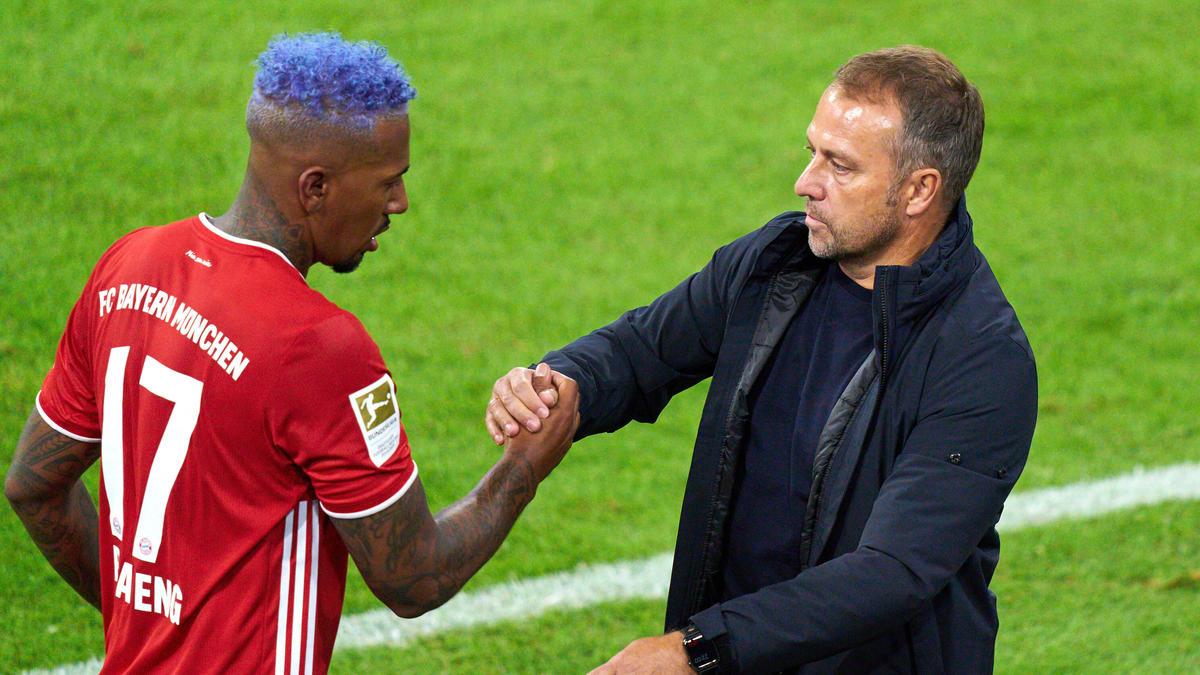 Jérôme Boateng (l.) könnte dem FC Bayern doch erhalten bleiben