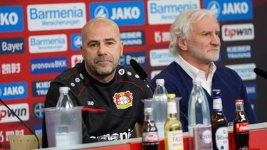 Peter Bosz (l.) ist in Leverkusen nicht mehr unumstritten