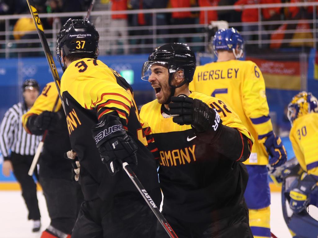 Die deutsche Eishockey-Auswahl steht nach Reimers Treffer kurz vor einer olympischen Medaille